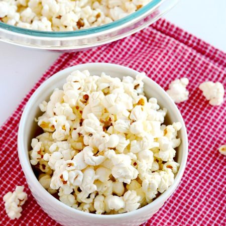 This DIY microwave popcorn is such a simple, healthy and delicious snack that everybody loves! | APinchOfHealthy.com