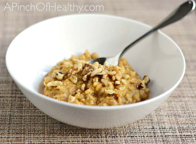 Pumpkin Spice Oatmeal Recipe| APinchOfHealthy.com