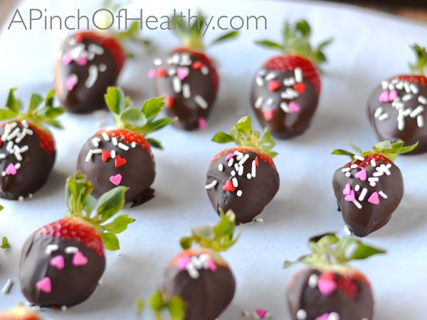 Dark Chocolate Covered Strawberries| A PinchOfHealthy.com
