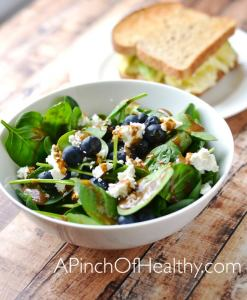 What I Ate Wednesday I share a sample day of healthy eats| APinchOfHealthy.com