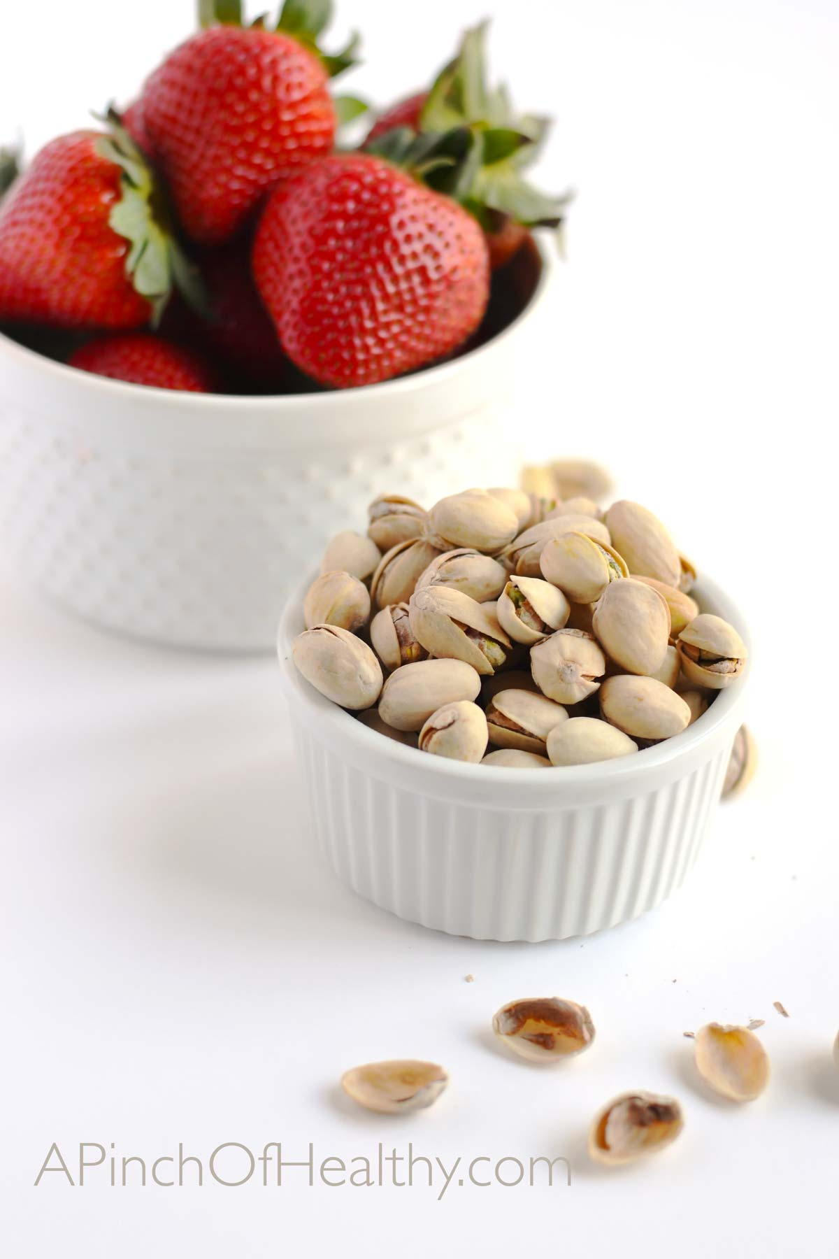 Fool Yourself Full With Pistachios| APinchOfHealthy.com