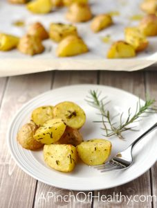 Garlic & Rosemary Roasted Potatoes| APinchOfHealthy.com