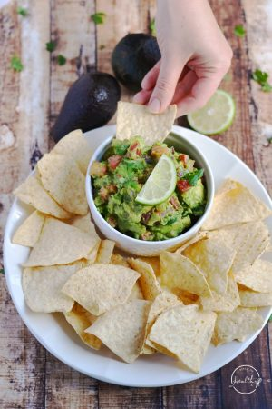 How to Make Guacamole (+Video Tutorial)