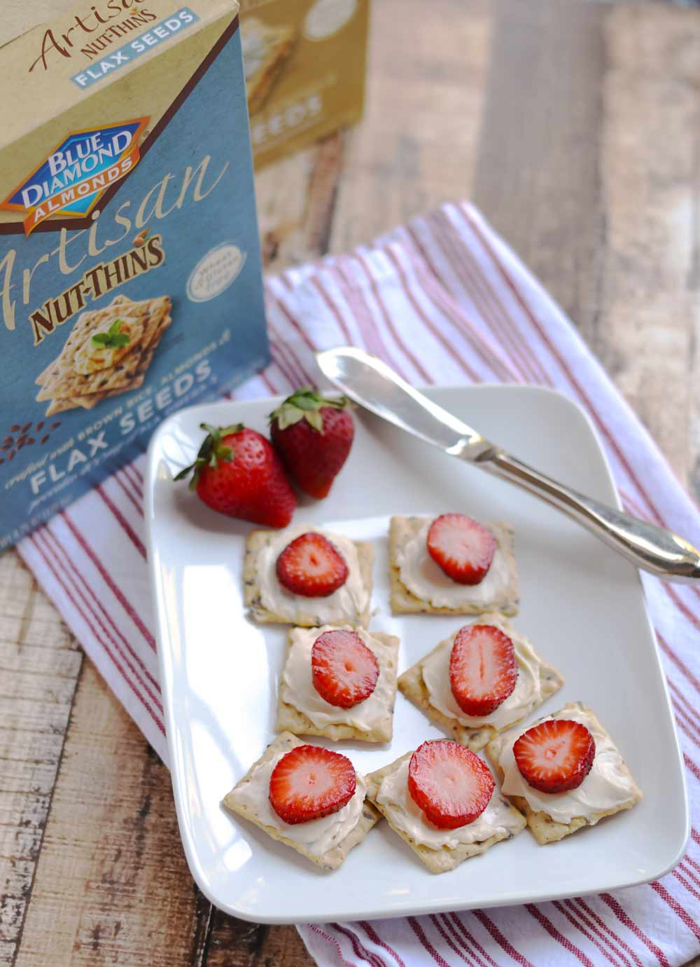 Blue Diamond Artisan Nut Thins | APinchOfHealthy.com