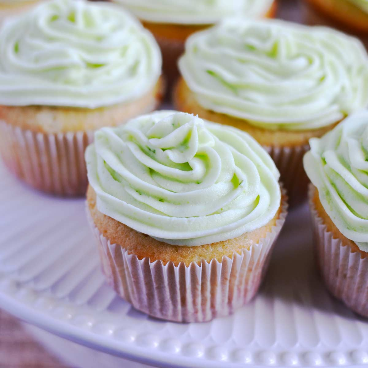 Key Lime Cupcakes {YOLO Recipe} - these sweet and tangy key lime ...