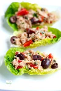 Mediterranean Tuna Salad - delicious, easy and healthy | APinchOfHealthy.com