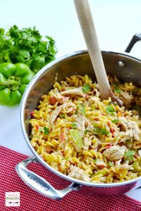 This one pot chicken fajita pasta is a simple, wholesome and easy dinner idea, perfect for weeknight dinners. | APinchOfHealthy.com