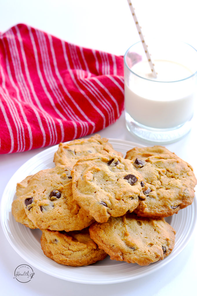 Peanut butter chocolate chip cookies are an easy and tasty dessert that my whole family goes crazy for! | APinchOfHealthy.com