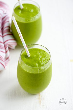 Green Monster Smoothie (BEST Green Smoothie)