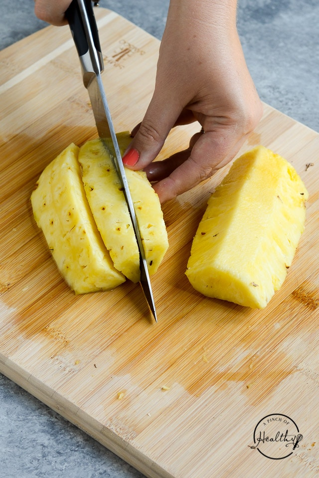 how to cut pineapple spears
